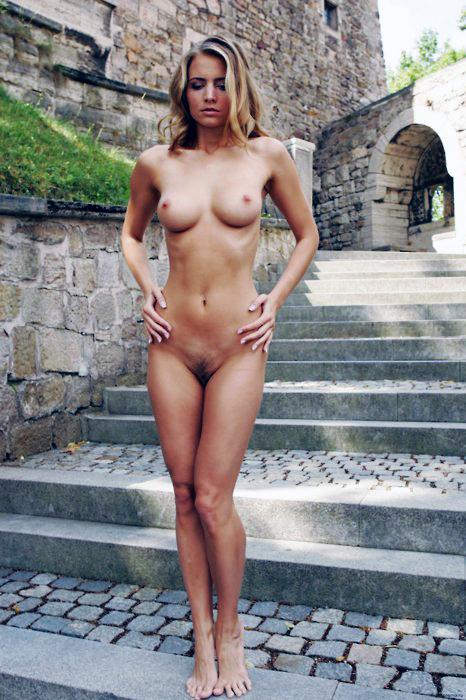 femme hot du 79 en photos